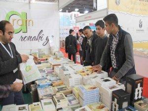 Adana'da Aram Yayınları'na yoğun ilgi