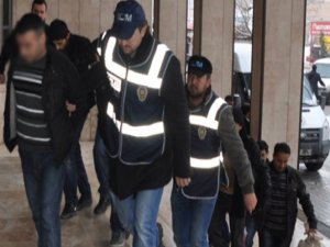 Ceylanpınar'da 11'i asker, 16 kişi tutuklandı