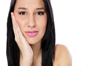 Dişlere zarar veren alışkanlıklara dikkat