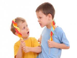 Kardeş Kıskançlığının Önüne Nasıl Geçebilirsiniz?