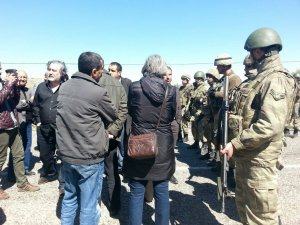 Cizre Newrozu'na katılacak heyet durduruldu