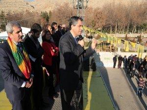 BDP'nin Silvan adayları konvoyla karşılandı
