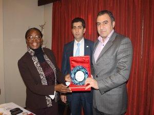 Kongo devlet başkan yardımcısının kaplıca  keyfi