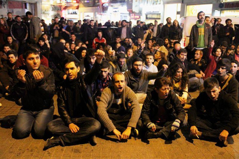 Taksim'deki ODTÜ protestosuna polis saldırısı