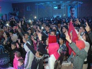 Nusaybin'de 'utanç duvarı'na karşı duran gençler konserde buluştu