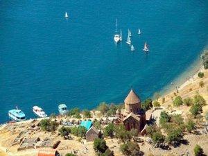 Van Gölü'ne İran plajı