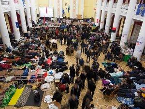Kiev'de belediye binası hala göstericilerin denetiminde