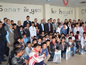 Vangölü Çocuk Ve Gençlik Merkezi'nde ödül töreni
