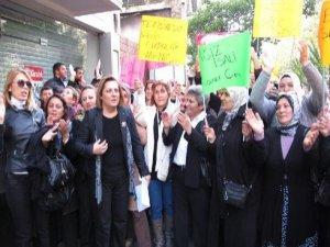 Kadın ve çocuklardan Suriye protestosu