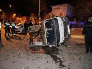 Dedaş Ekibi Kaza Yaptı: 5 Yaralı