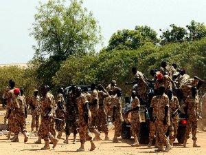 Sudan askerleri BM kampına zorla girmek istedi