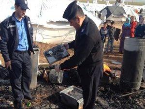 Çadira koçberên Rojava şewitî