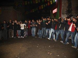 Diyarbakır ve Nusaybin'den Rojava'ya özerklik selamı