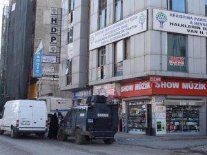 Van'da HDP ve DBP'ye operasyon