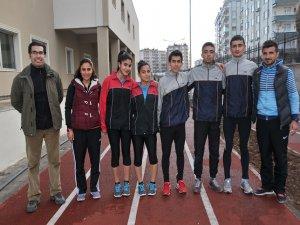 Diyarbakırlı atlet Türkiye rekorunu kırdı