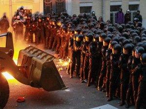 Ukrayna'daki gösteriler iki ayı geride bıraktı