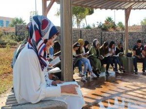 Gençlik merkezinden üniversitede okuma etkinliği