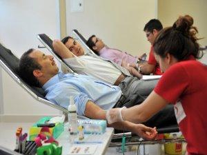 Yılda 4 sefer kan verin!