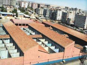 Diyarbakır Barosu: Hasta tutsakların tedavi imkânı yok