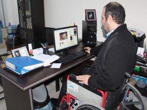 Sosyal medya uzmanı engelli genç, 'Dolarınızı bozdurun' çağrısını Türkiye gündemine taşıdı