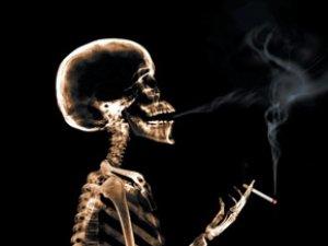 Dünyanın 7'de 1'i sigara içiyor