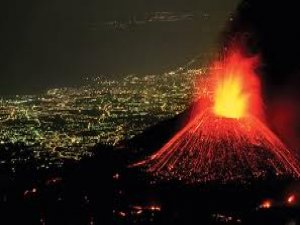Etna Yanardağı 2014'e merhaba dedi
