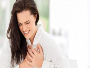 Kadınlar kalp krizi geçirdiklerinin farketmiyor