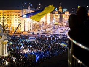 Ukrayna'da eylemciler 12 valiliği işgal etti