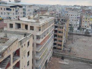 Bağlar'daki bombalı saldırıda zarar gören 6 bina için yıkım kararı