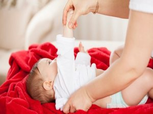 Bebeğinizi giydirirken nelere dikkat etmelisiniz?