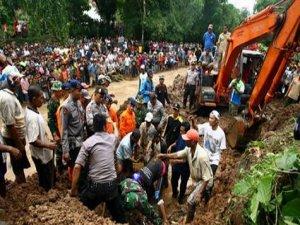 Endonezya'da heyelan: 19 ölü