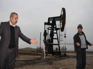 Petrol kuyuları çevre felaketini yaşatıyor!