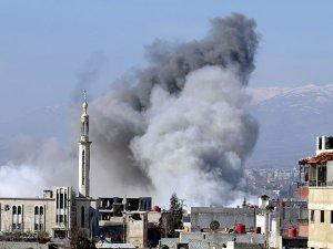 Suriye'de yine varil bombası yağdı: 53 ölü