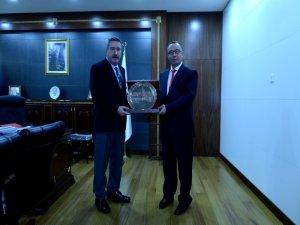 Rektör Doğan'dan Vali Kıraç'a ziyaret