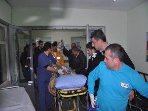 Suriye'de yaralanan bir çocuk Nusaybin'e getirildi