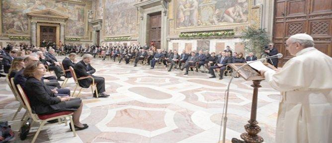 Papa: Avrupa Birliği kendini sorgulamalı