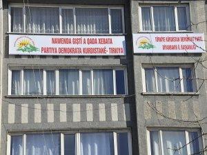 Türkiye KDP'si tabela astı