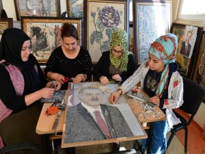 Erdoğan'ın 5 bin parçalı mozaik portresini yaptılar