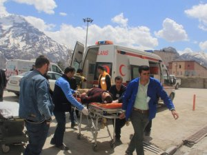 Hakkari'de yaralanan 8 askerin tedavisi sürüyor