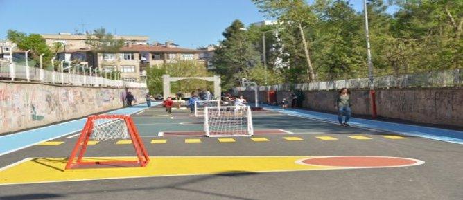 Belediyeden çocuklara  oyun sokağı