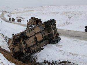 """Van'da askeri araç devrildi: 3 asker hayatını kaybetti, 18""""i yaralı"""