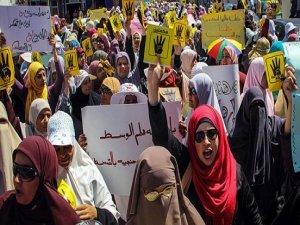Darbe karşıtı kadınlara işkence