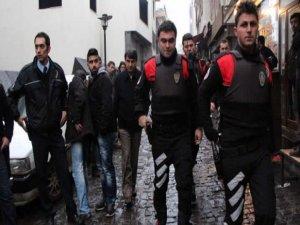 Kapkaçcılara, yankesicilere,torbacılara ve hırsızlara karşı operasyon yapıldı.