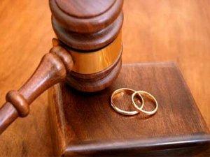 Boşanan çiftler giderek artıyor