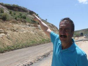 Mardin-Diyarbakır karayolunda kaya kütlesi tehlikesi