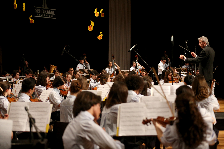 Doğuş Çocuk Senfoni Orkestrası Gaziantep'te konser verdi