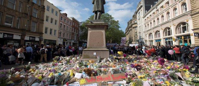 İngiltere, Manchester saldırısıyla ilgili kanıtları sızdıran ABD ile bilgi paylaşımını duyurdu
