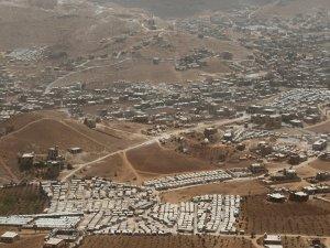 Lübnan'daki mülteci kamplarındaki askerlere canlı bomba saldırısı: 7 yaralı