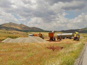 Hazro'nun mahalle yolları asfaltlanıyor