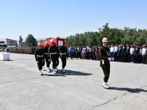 Şırnak'ta yaşamını yitiren güvenlik korucusu için tören